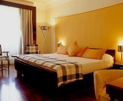 Hotel Britania Lisbon Portugal bedroom