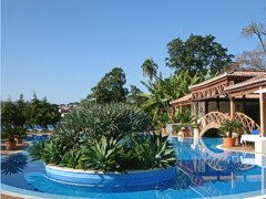 Swimming pool at Jardins do Lago - Madeira - Funchal