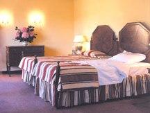 Hotel Tivoli Sintra bed